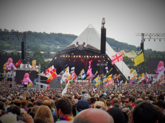 Love the Farm, Leave NO Trace: SOS Africa Assists Glastonbury Festival Clean-Up