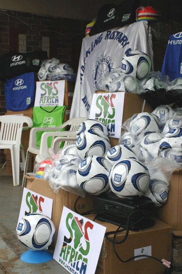 Hyundai UK provided SOS Africa with 5,000 balls and 50 kits for schools for the project