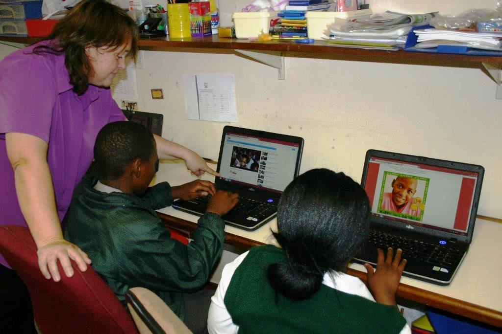 Masterbake-off provides new laptops for the SOS Africa Children